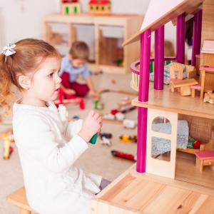 Lėlės, nameliai ir priedai
