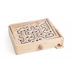 Medinis labirintas su kamuoliuku